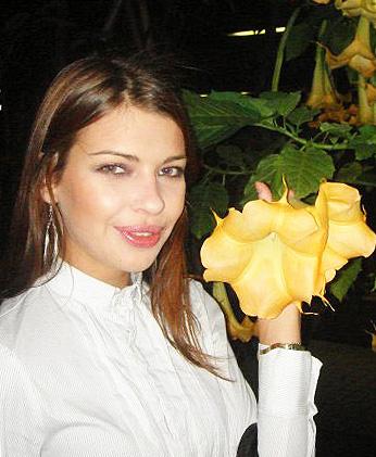 Pics of women - Lovetopping.net
