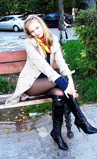Lovetopping.net - Pretty women pics